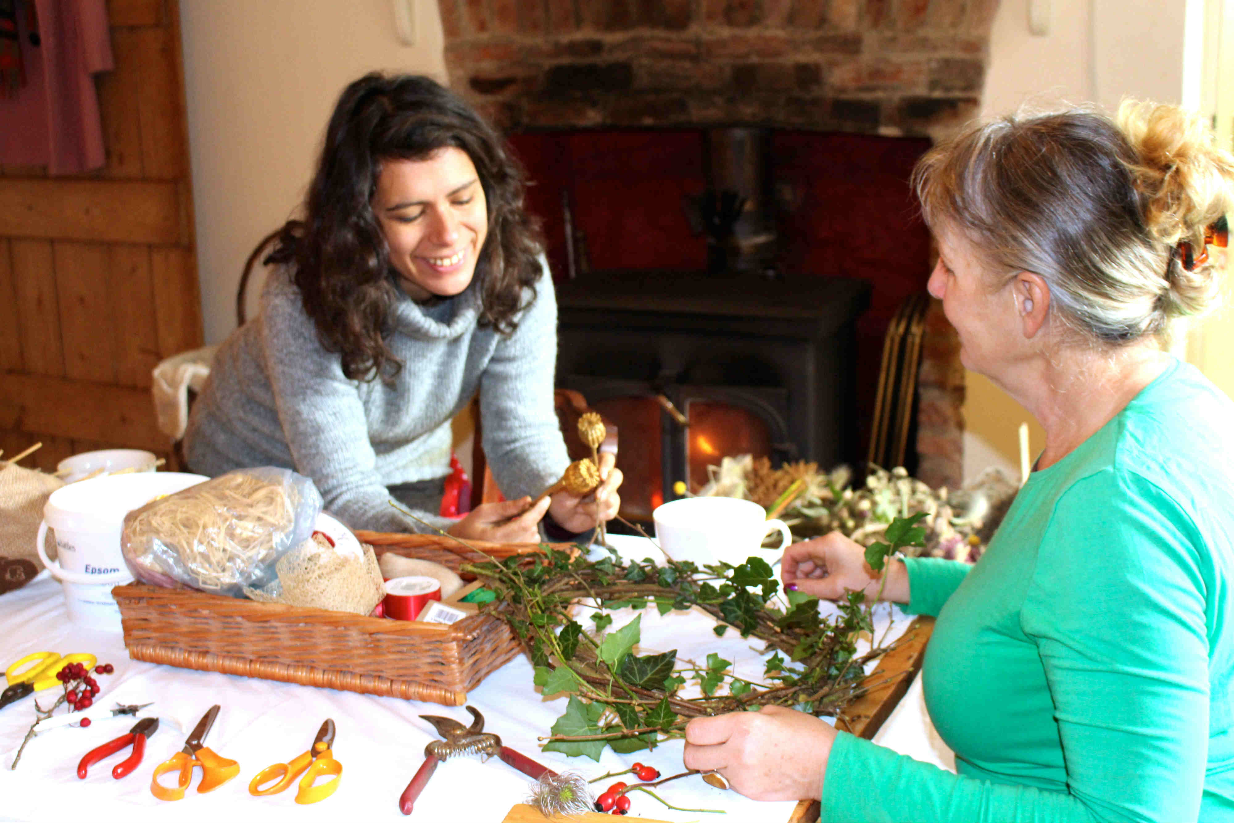 emily-and-debbie-wreathmaking-2